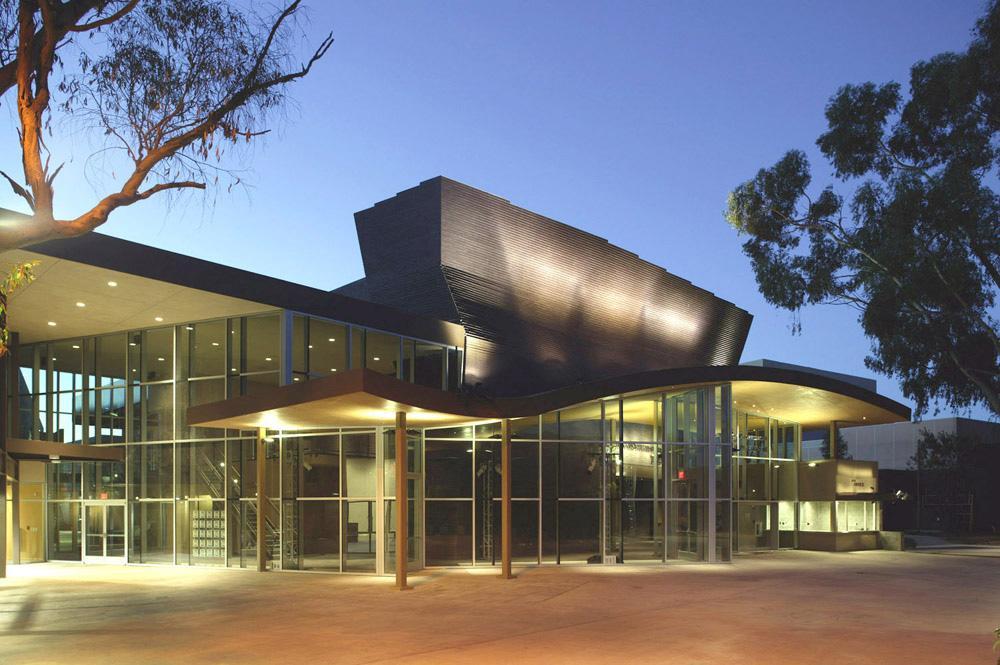 La-Jolla-Playhouse-1-Theatre-Entrance