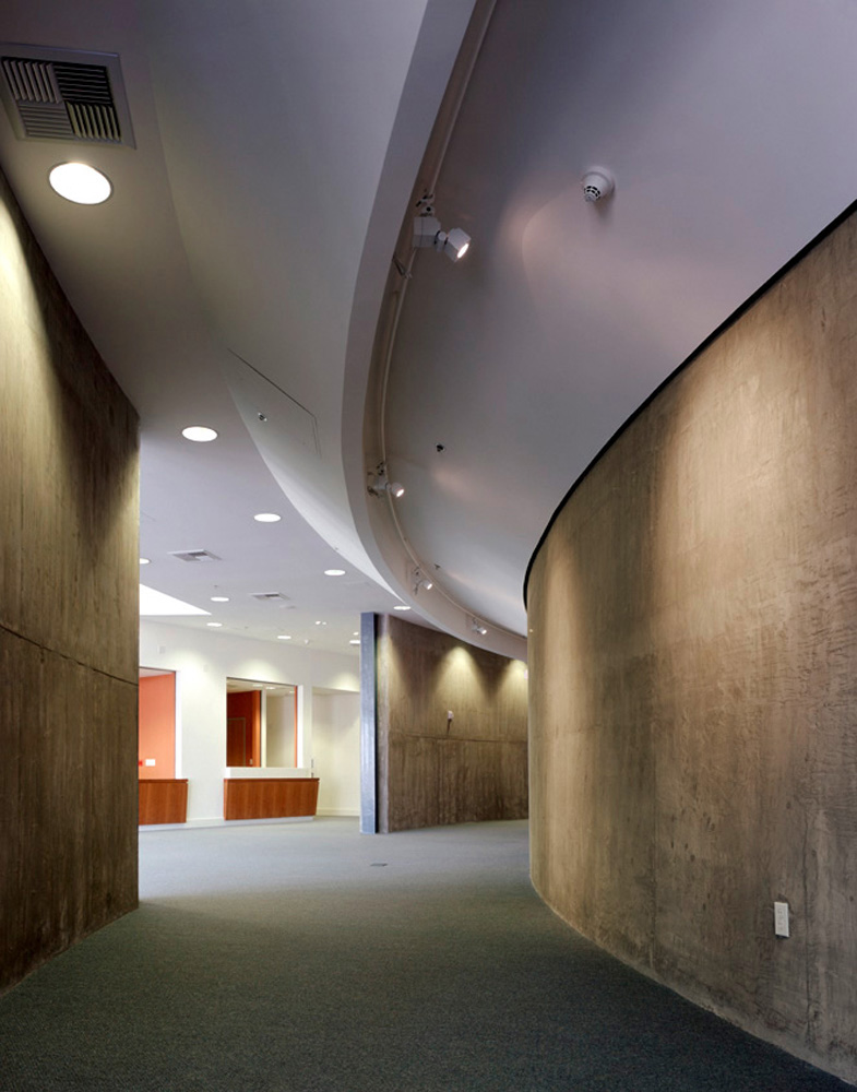 Nate-Holden-Performing-Arts-Center-6-Corridor