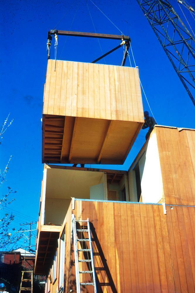 Scattered-Site-Modular-Townhouses-3-Modular-Unit-Assembling