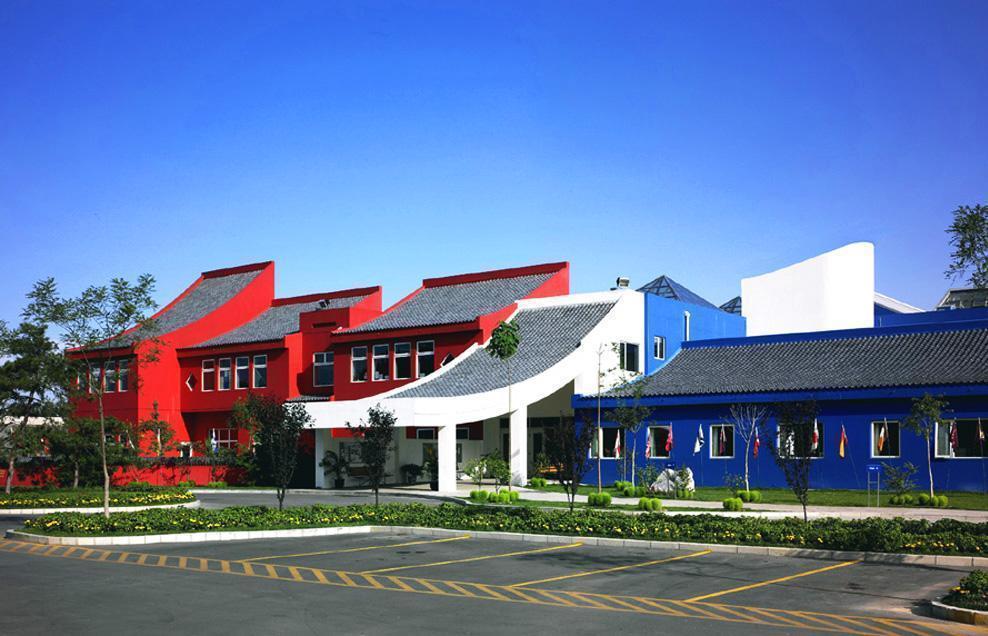 Western-Academy-of-Beijing-04-Exterior-of-School