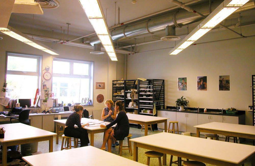 Western-Academy-of-Beijing-7-Art-Classroom