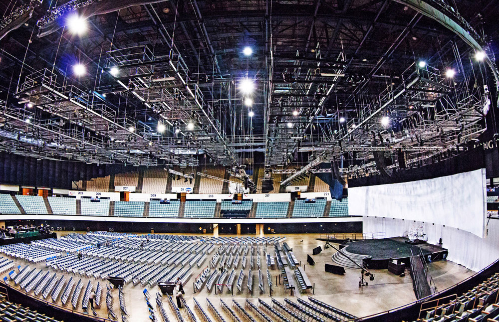 Long-Beach-Arena-Pacific-Ball-Room-2-Flying-Tension-Grid